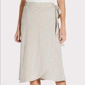 Willow & Clay Tulum Wrap Skirt Grey stripped sz L